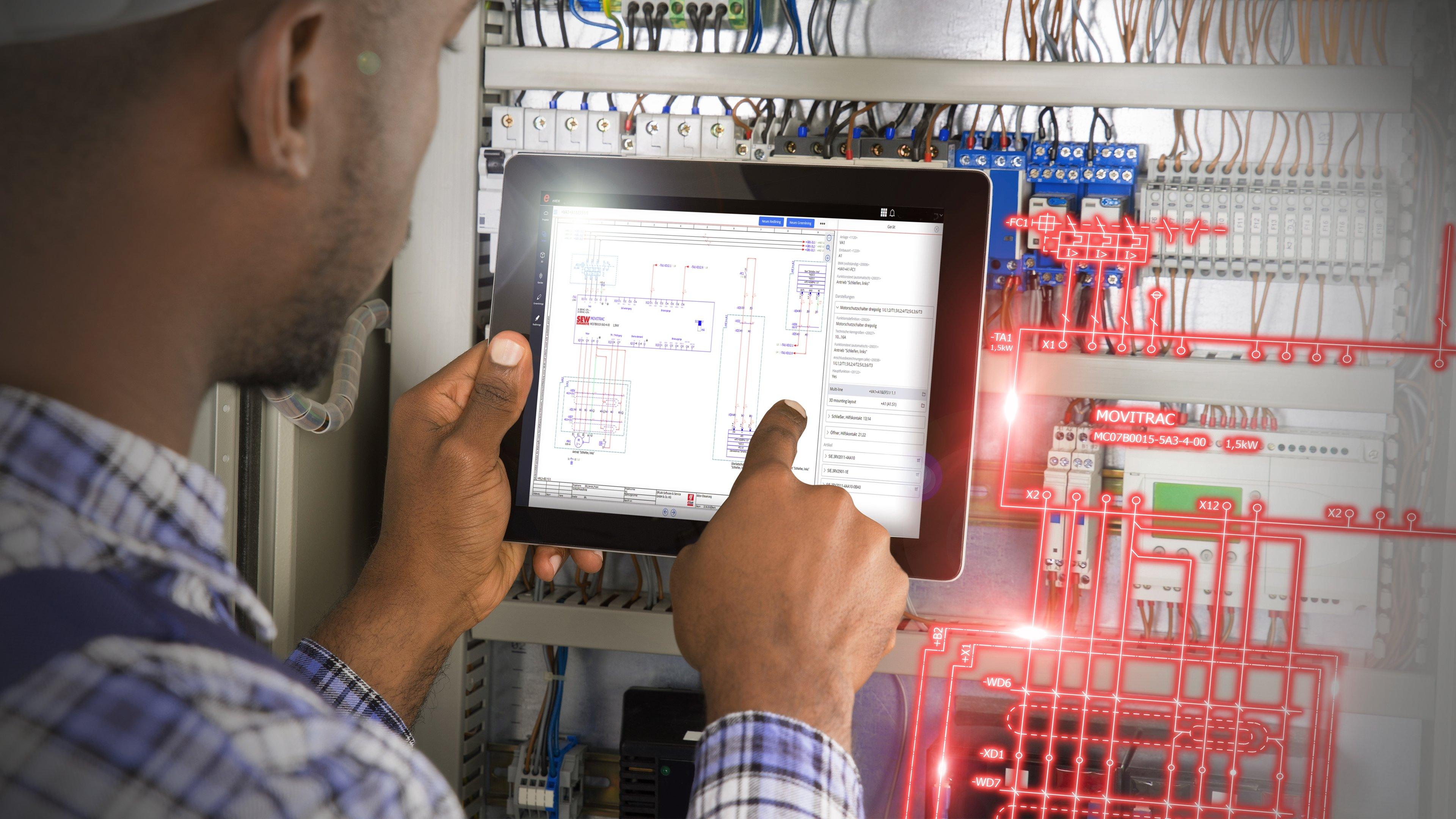 Mit Eplan eView können Monteure vor Ort Änderungen und Kommentare ver-merken, die der zuständige und änderungsberechtigte Elektrokonstrukteur in das Eplan Projekt einarbeitet.